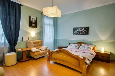 Сдается 1-комнатная квартира посуточнов Батайске, Гагарина площадь, 6/87.