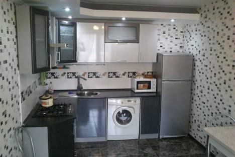 Сдается 1-комнатная квартира посуточно в Саратове, ул. Измайлова, 10.