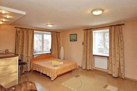Сдается 1-комнатная квартира посуточнов Омске, ул.Гагарина 2.