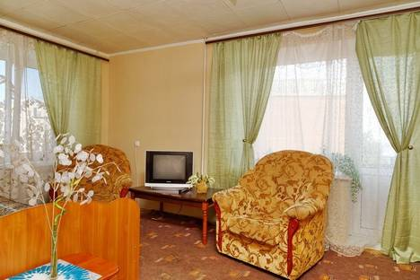 Сдается 1-комнатная квартира посуточнов Саратове, ул. Чернышевского, 190/198.