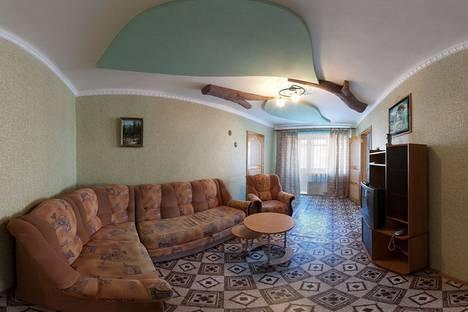 Сдается 3-комнатная квартира посуточно в Красноярске, Робеспьера 19.