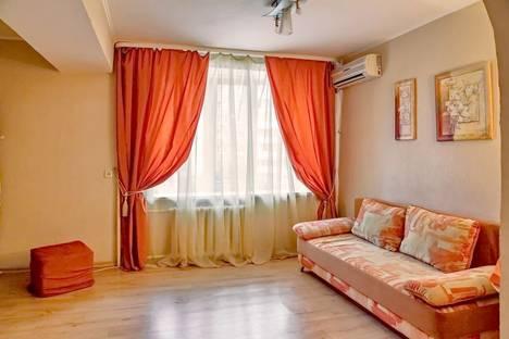 Сдается 2-комнатная квартира посуточнов Саратове, Валовая 27.