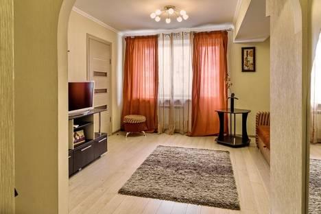 Сдается 2-комнатная квартира посуточнов Саратове, ул. Чернышевского, 223.