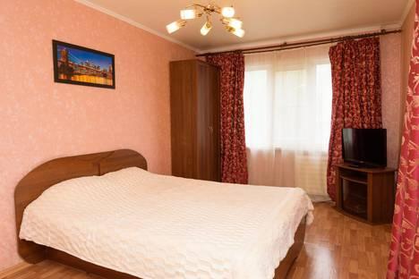 Сдается 1-комнатная квартира посуточно, Плеханова 18.