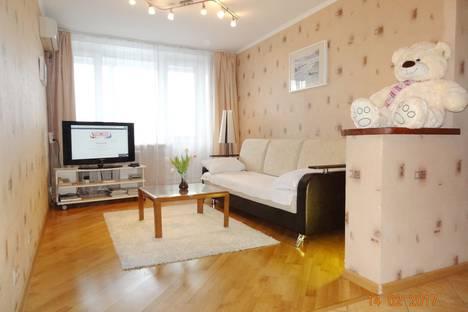 Сдается 2-комнатная квартира посуточнов Юбилейном, ул. Пресненский Вал, 26.