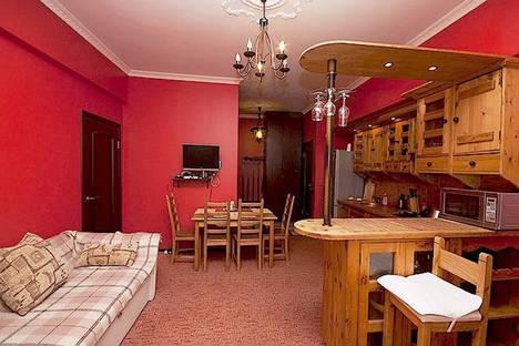 Сдается 3-комнатная квартира посуточно, Острякова улица, 8.