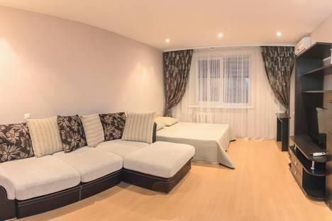 Сдается 1-комнатная квартира посуточнов Тюмени, ул. Депутатская, д. 80 корп.1.