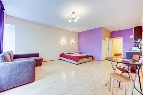 Сдается 1-комнатная квартира посуточно в Санкт-Петербурге, Невский проспект, 74-76.