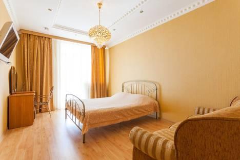 Сдается 1-комнатная квартира посуточнов Калининграде, ул. Эпроновская, 1, 15-й этаж.