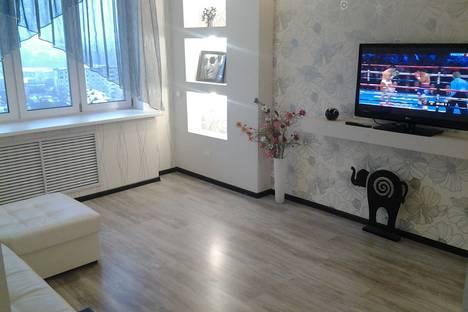 Сдается 1-комнатная квартира посуточно в Кирове, ул. Преображенская, 82/1.