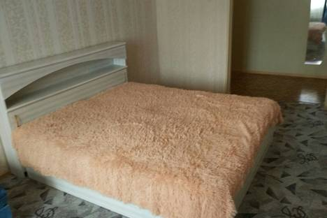 Сдается 2-комнатная квартира посуточно в Казани, ЧИСТОПОЛЬСКАЯ 3.
