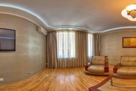 Сдается 2-комнатная квартира посуточно в Харькове, Артема улица, д. 5.