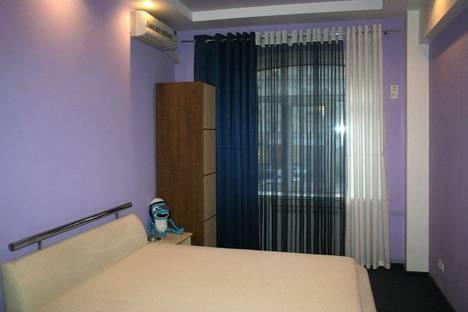 Сдается 2-комнатная квартира посуточно в Харькове, площадь Конституции, 20.