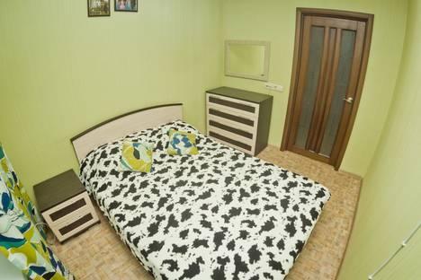 Сдается 2-комнатная квартира посуточно в Нижнем Новгороде, площадь Горького, 5/76.
