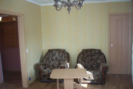 Сдается 1-комнатная квартира посуточно в Ачинске, М-н 2, дом 1.