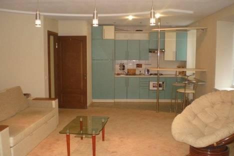 Сдается 2-комнатная квартира посуточно в Харькове, пр.Гагарина, 84.