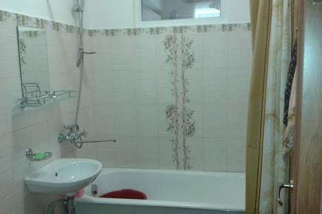 Сдается 2-комнатная квартира посуточно в Алуште, Спортивный переулок, 9.