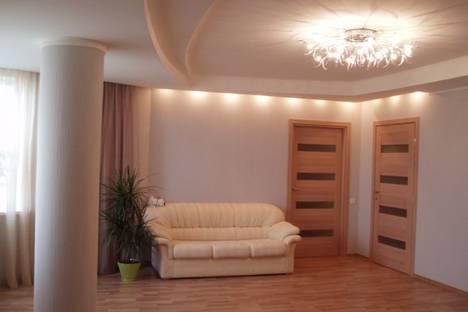 Сдается 2-комнатная квартира посуточно в Харькове, Проспект Гагарина 43.
