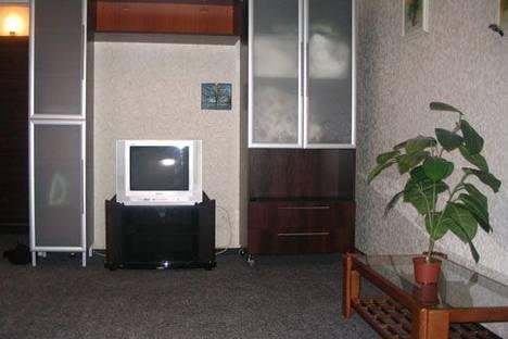 Сдается 1-комнатная квартира посуточно в Днепре, Дмитрия Донского, 6.