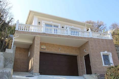 Сдается коттедж посуточно в Ливадии, Крым,25 улица Батурина.