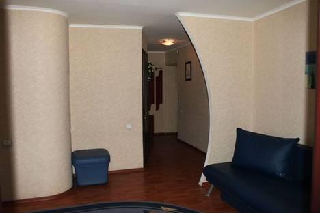 Сдается 2-комнатная квартира посуточно в Днепре, ул Ленина, 12.