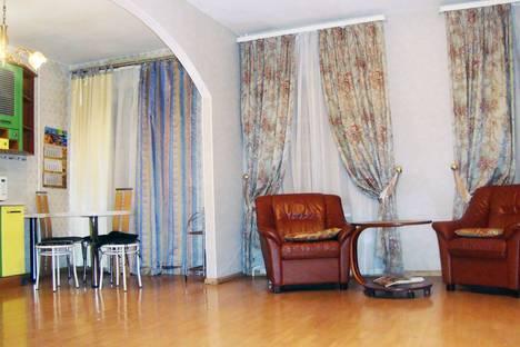 Сдается 3-комнатная квартира посуточнов Санкт-Петербурге, Большая Морская, 11.