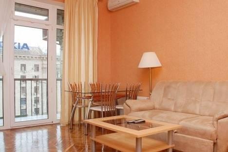 Сдается 3-комнатная квартира посуточно в Киеве, Крещатик улица, д. 17.