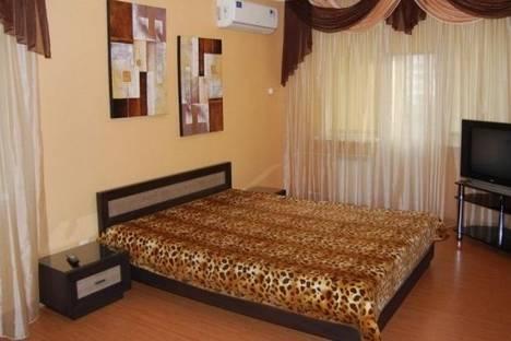 Сдается 2-комнатная квартира посуточно в Киеве, Урицкого улица, д. 3.