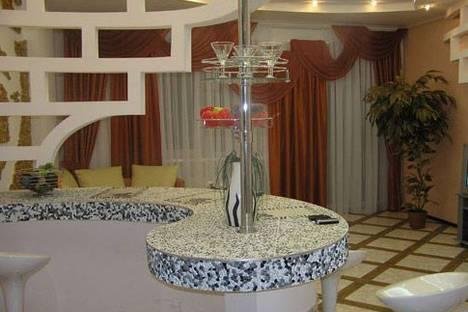 Сдается 3-комнатная квартира посуточнов Новомосковске, ул Жуковского, 21.