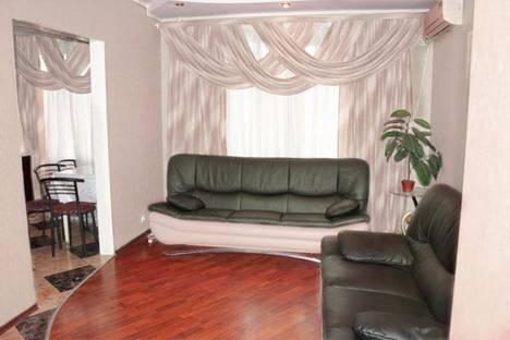 Сдается 3-комнатная квартира посуточно в Днепре, пр Героев, 11.
