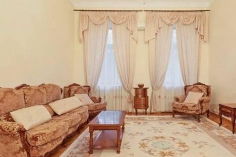Сдается 3-комнатная квартира посуточно в Киеве, Городецкого улица, д. 4.