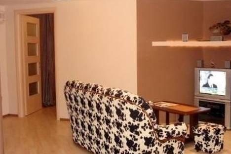 Сдается 2-комнатная квартира посуточно в Киеве, Украинки бульвар, д. 5.