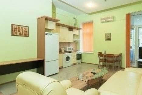 Сдается 2-комнатная квартира посуточно в Киеве, Лютеранская улица, д. 3.
