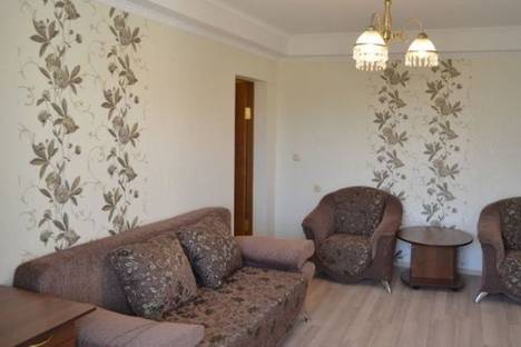 Сдается 2-комнатная квартира посуточно в Киеве, Лайоша Гавро улица, д. 22.