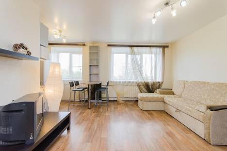 Сдается 2-комнатная квартира посуточно в Нижнем Новгороде, ул. Максима Горького, 65а.
