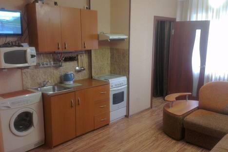 Сдается 1-комнатная квартира посуточно в Тобольске, ул. Семена Ремезова, 17.