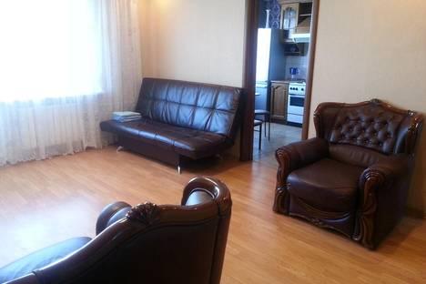 Сдается 4-комнатная квартира посуточно в Тобольске, 8 мкр, 31.