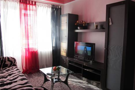 Сдается 2-комнатная квартира посуточно в Сумах, пл.Независимости 8.