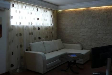 Сдается 4-комнатная квартира посуточно в Одессе, Дерибасовская улица, д. 19.