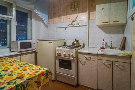 Сдается 2-комнатная квартира посуточнов Перми, Комсомольский проспект,  30.