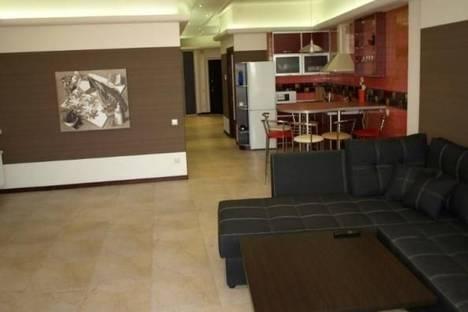 Сдается 4-комнатная квартира посуточно в Одессе, Гагаринское плато улица, д. 5, корп. 3.