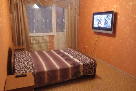 Сдается 1-комнатная квартира посуточнов Орске, ул. Школьная, 18.