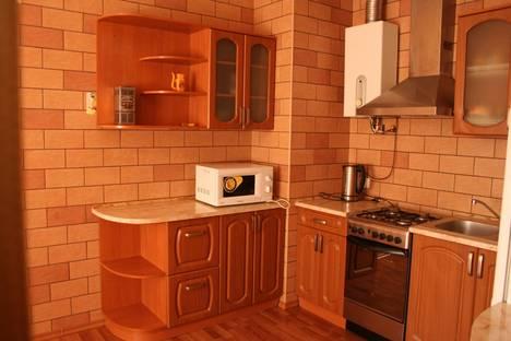 Сдается 1-комнатная квартира посуточно в Кривом Роге, ул. Днепропетровское шоссе, 8.