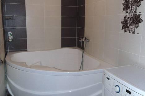 Сдается 2-комнатная квартира посуточно в Барнауле, ул. Северо-Западная, 23а.