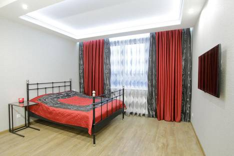 Сдается 1-комнатная квартира посуточнов Санкт-Петербурге, ул. Кронштадтская, 13к2.
