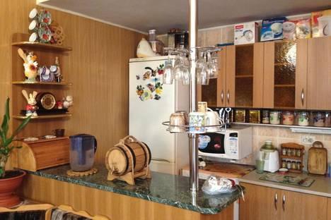 Сдается 2-комнатная квартира посуточно в Новочеркасске, ул. Фрунзе, 115.