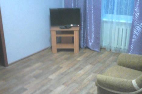 Сдается 2-комнатная квартира посуточно в Миассе, ул. Ильменская, 111.