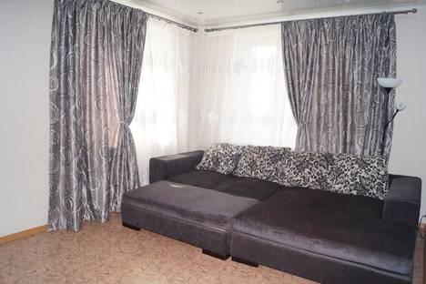 Сдается 2-комнатная квартира посуточно в Набережных Челнах, проспект Чулман, д.13.