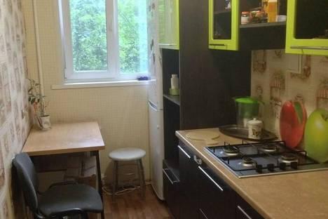 Сдается 2-комнатная квартира посуточнов Екатеринбурге, Смазчиков 6.