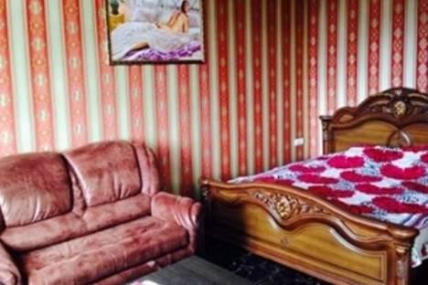 Сдается 2-комнатная квартира посуточно в Адлере, Свердлова улица, д. 55.
